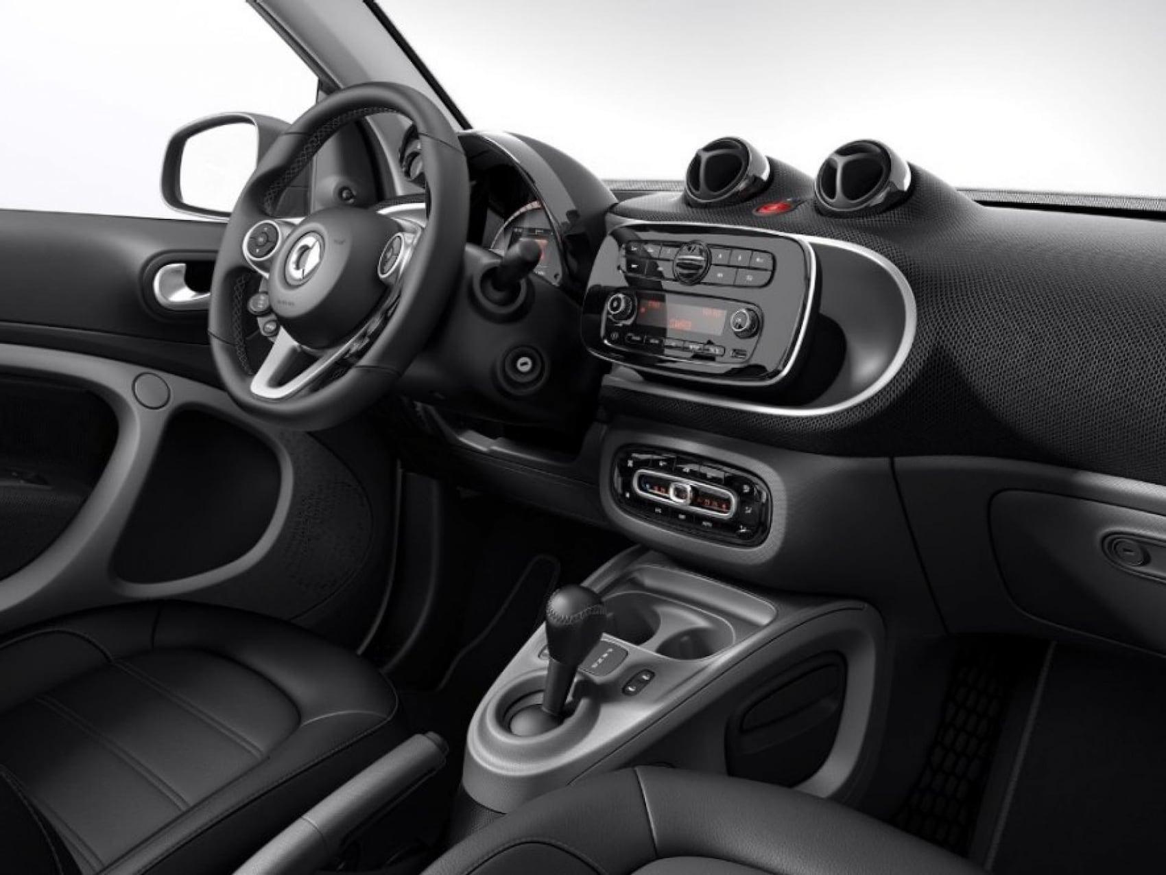 smart EQ fortwo cabrio - interior