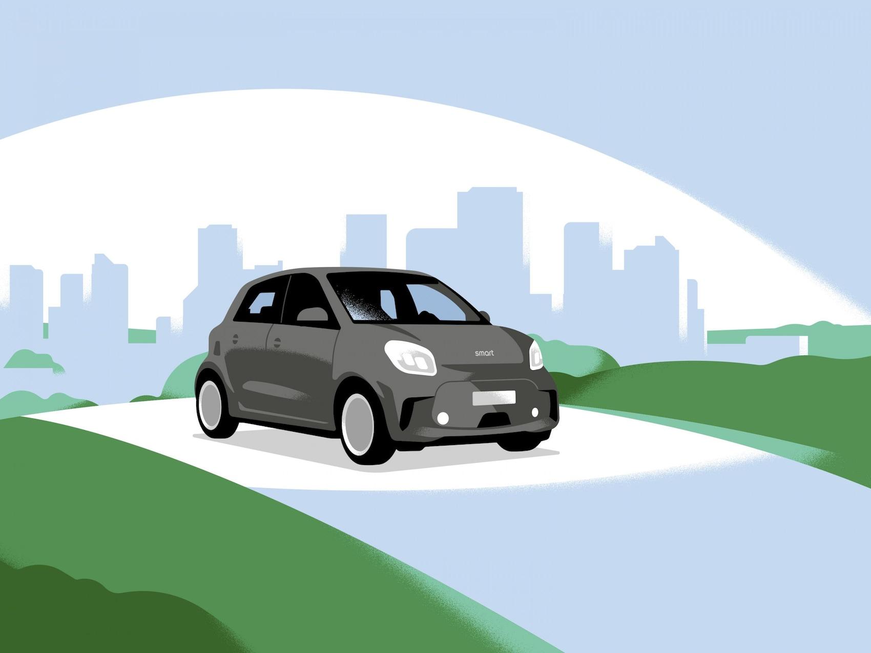 Ein smart EQ forfour auf einer Strasse mit Stadt im Hintergrund.