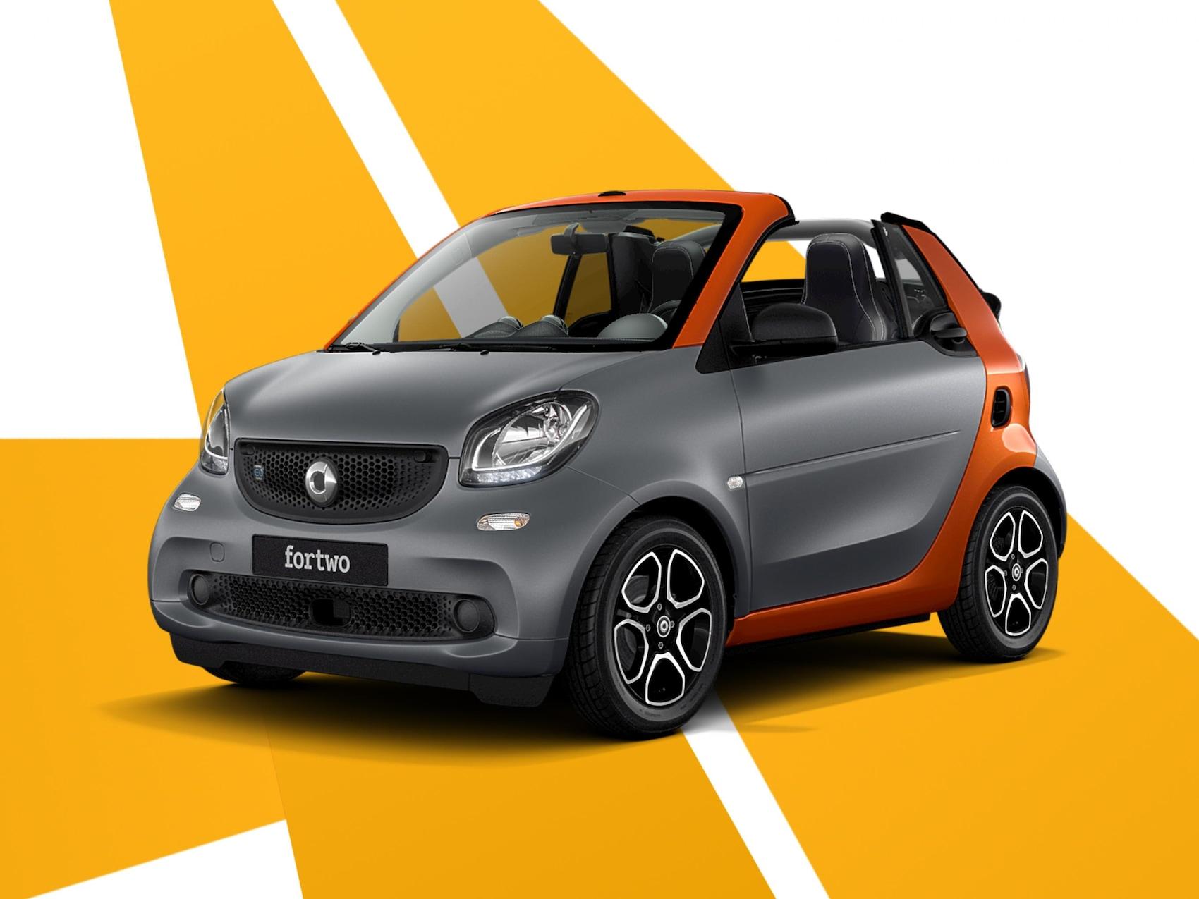Grey_smart_smart_EQ_cabrio.