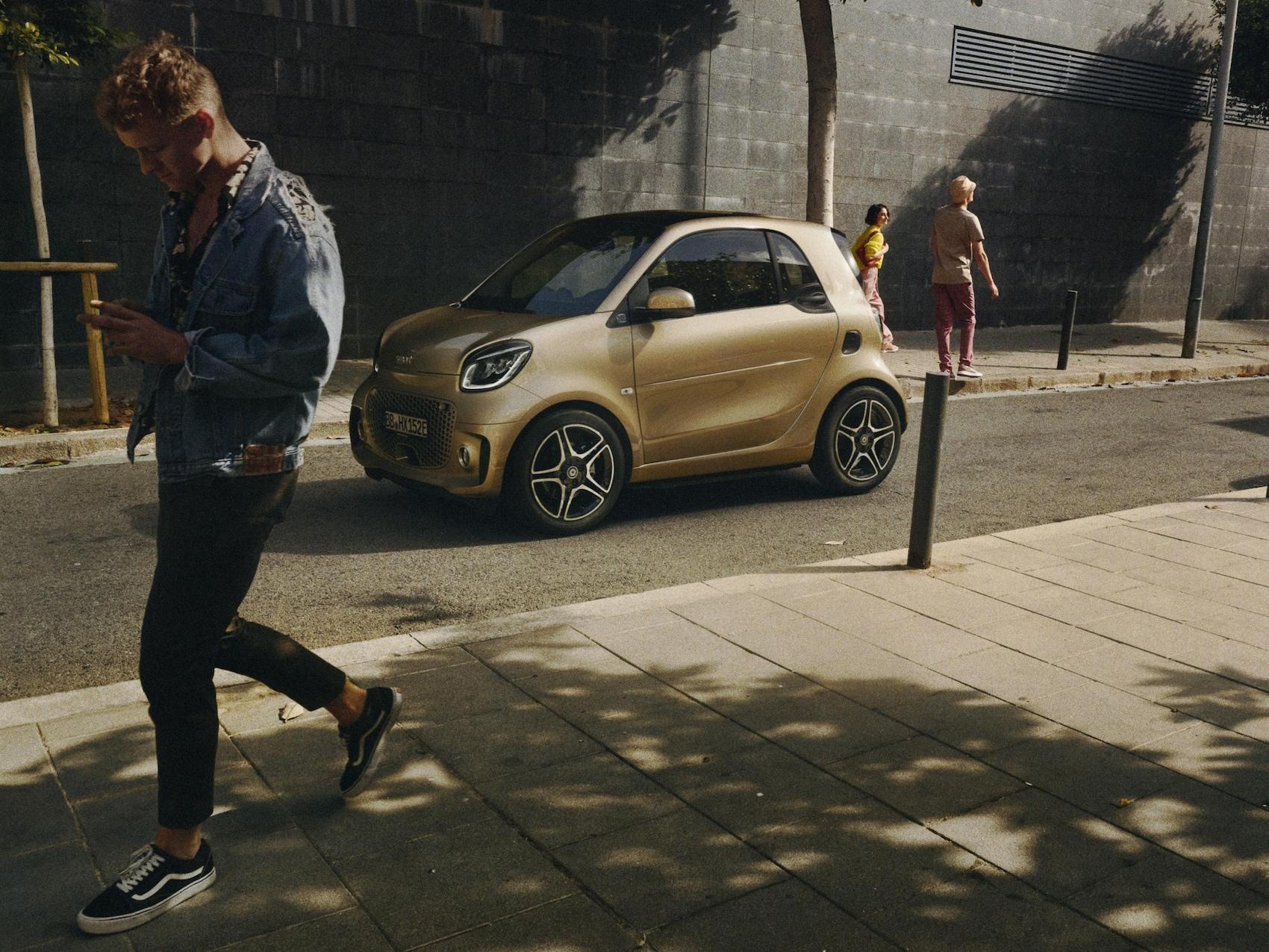 Mercedes-Benz Financial Services smart fortwo EQ