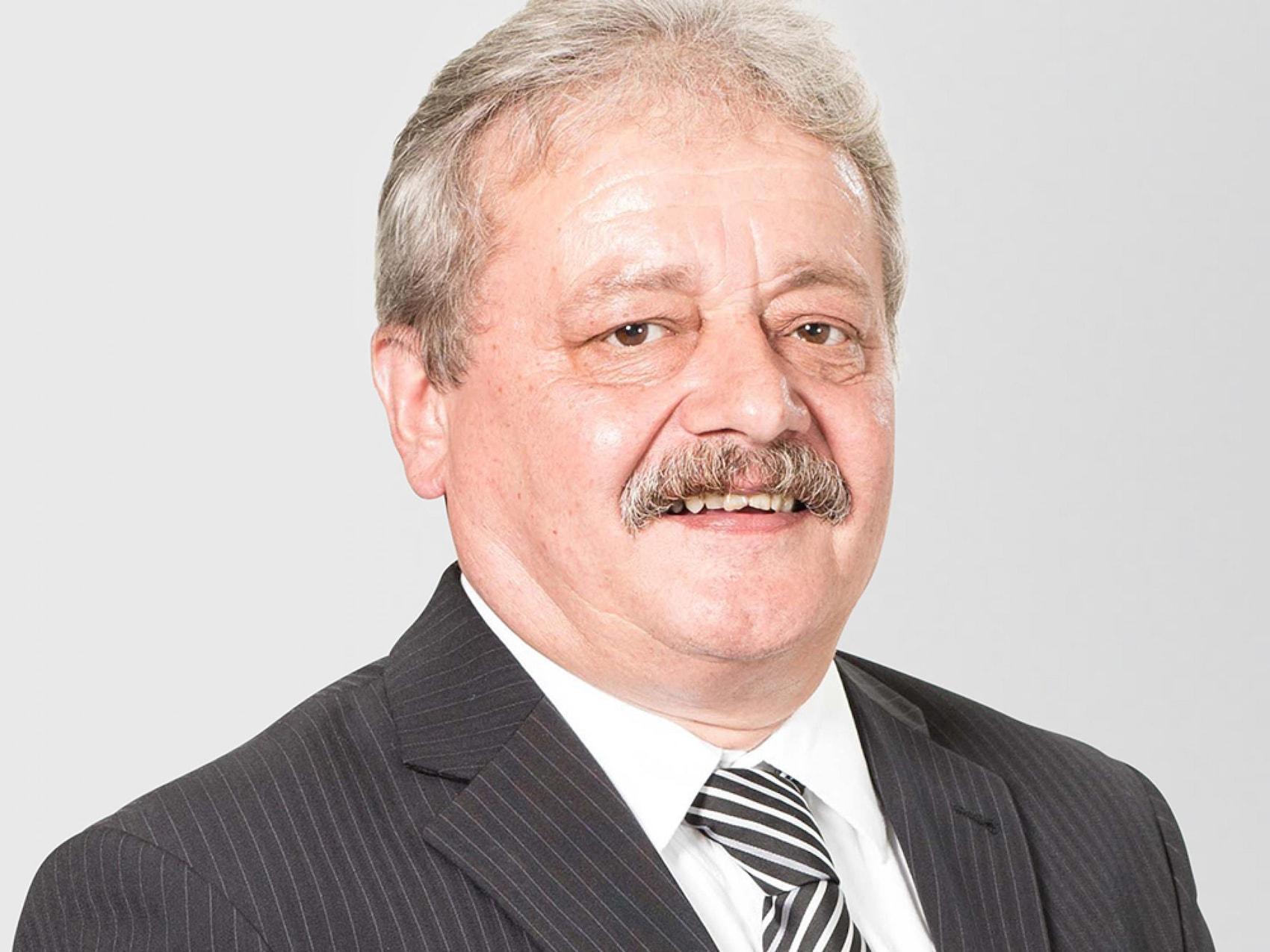 team-sc-Weinheim-Reinhard-Uwe-Verkauf-ET