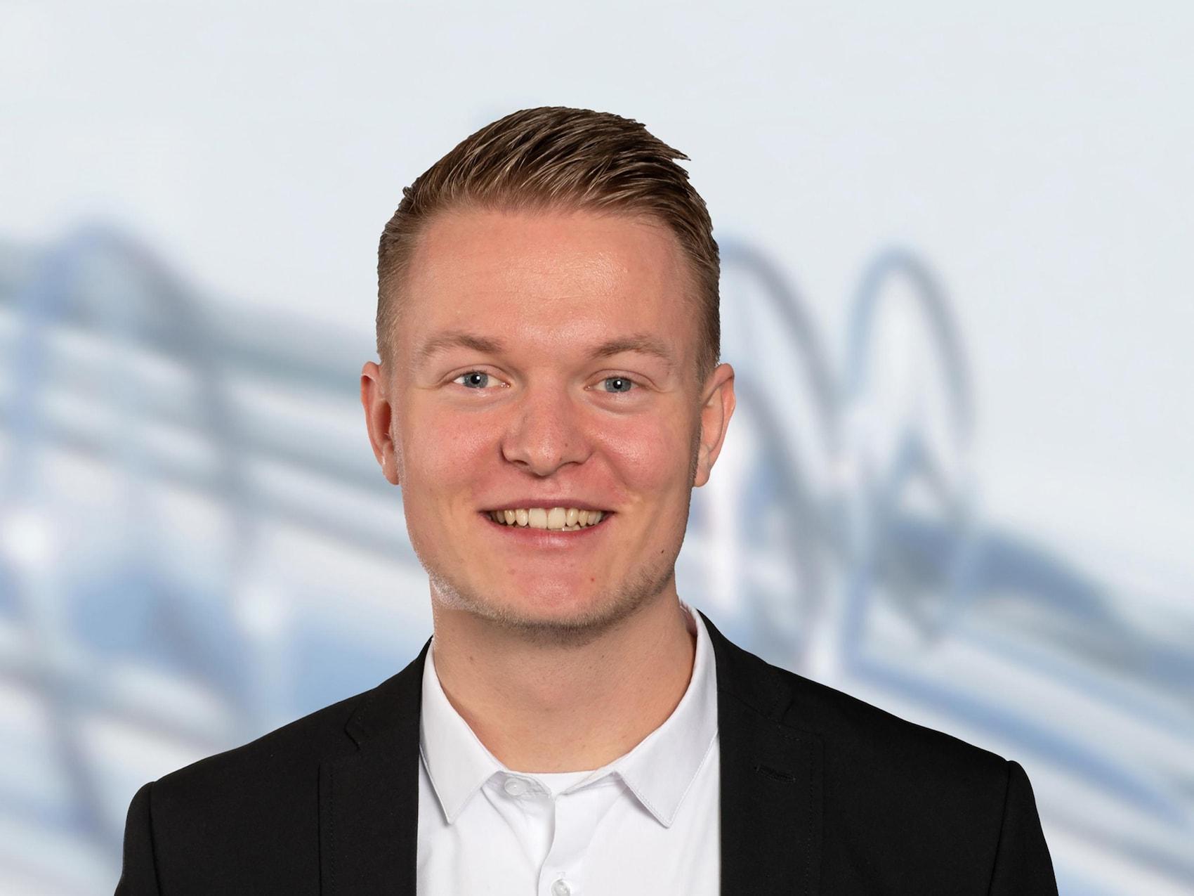 smart Center Hamburg-Bergedorf - Mitarbeiter: Niklas Abel