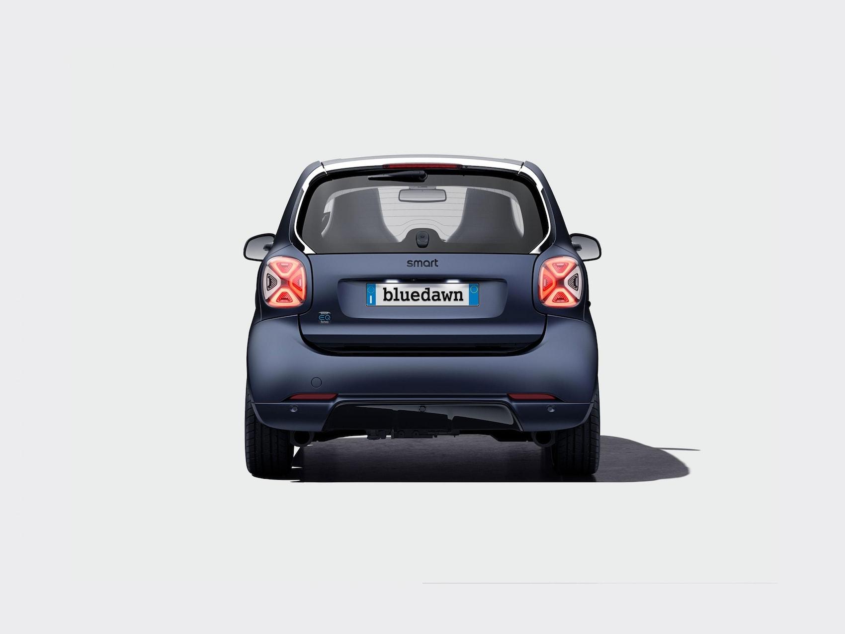 Vista posteriore della smart EQ fortwo Bluedawn
